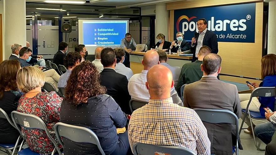 El PP reactiva su calendario para renovar sus liderazgos en la provincia y empieza por Alicante
