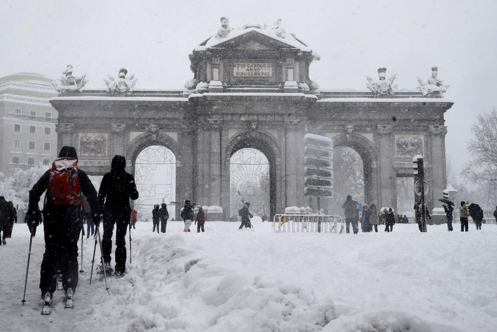 Madrid amanece sin autobuses, con cortes en ...