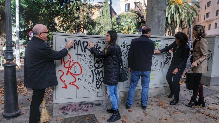 Händler putzen selbst den Prachtboulevard von Palma de Mallorca