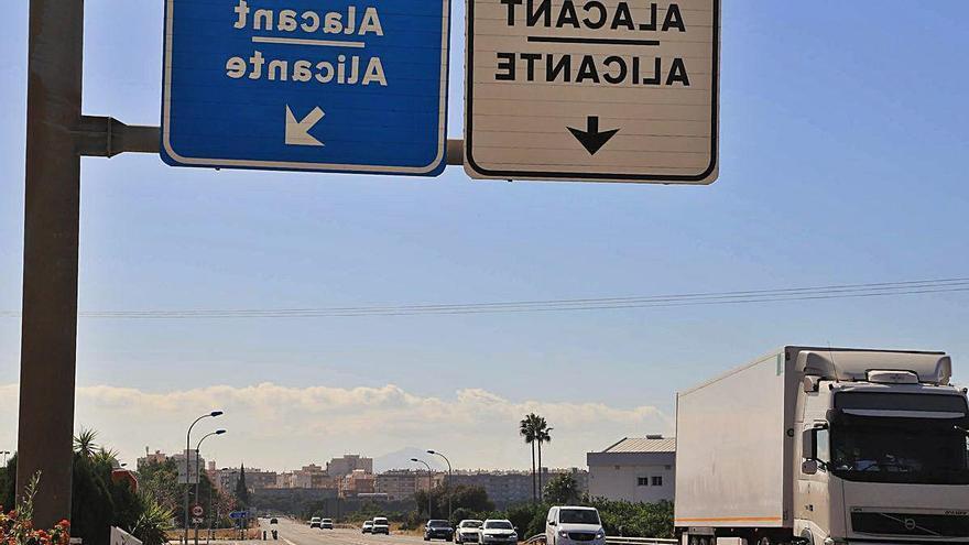 La crisis de la covid-19 y la gratuidad de la AP-7 reducen a la mitad el tráfico en Oliva