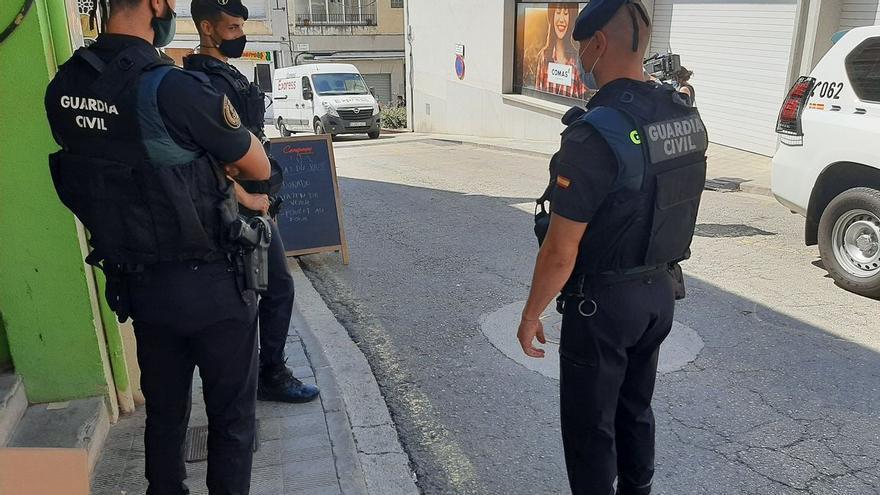 Operació policial contra les falsificacions amb epicentre a la Jonquera