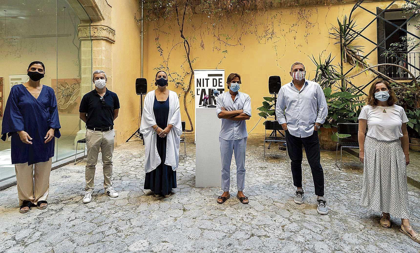 Brindis: Miradas femeninas en un paseo de arte