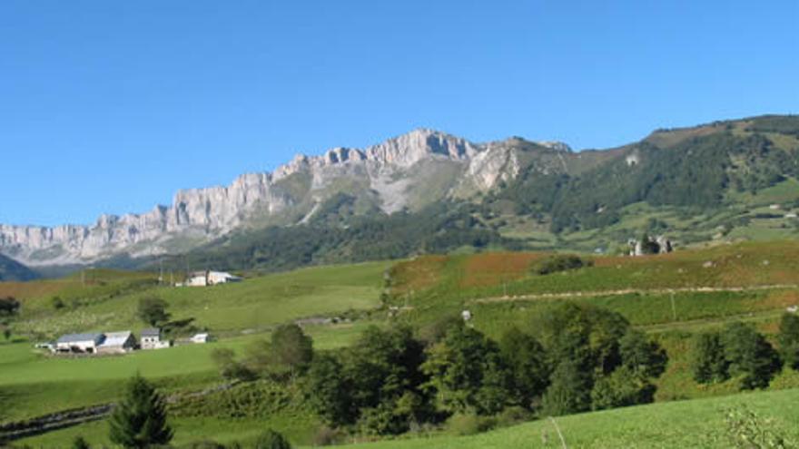 Francia intensifica la búsqueda de un español desaparecido en Pirineos
