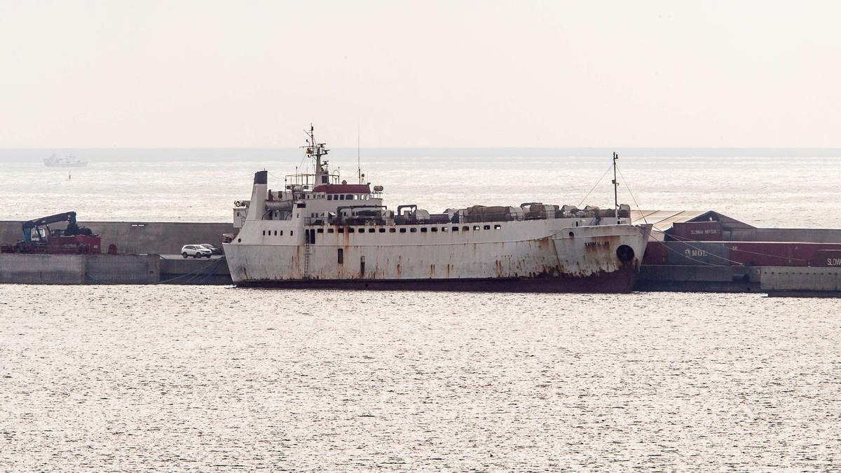 El buque Karim Allah, con una carga de 895 terneros