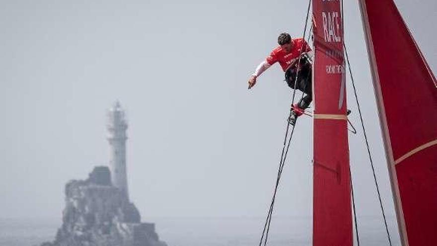 El 'Mapfre' se pone líder cuando la flota navega al oeste de Irlanda