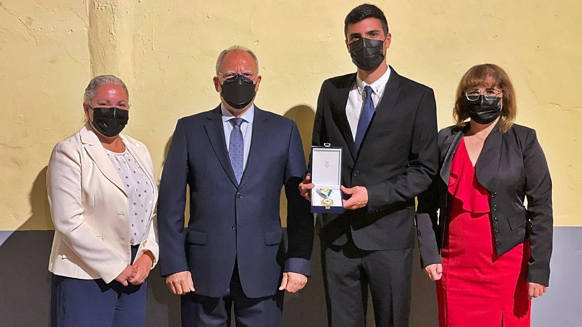 Guadalupe Torres, Casimiro Curbelo, Diego Chinea y Rosa Elena García.