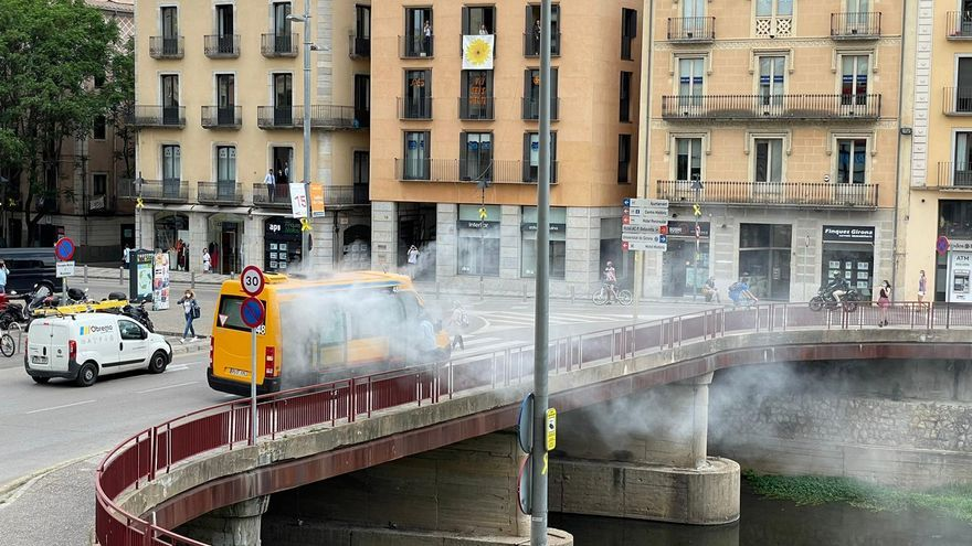 Incendi en un bus urbà a Girona