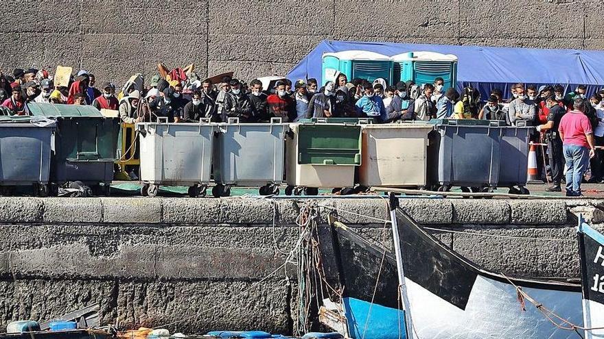 Colapso en el puerto de Las Palmas tras recibir 2.000 migrantes este fin de semana