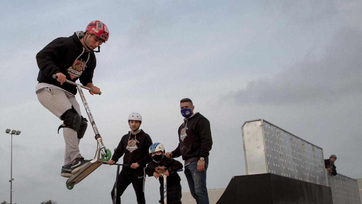 El Diverse Scooter Team estrena el esperado skateparc.