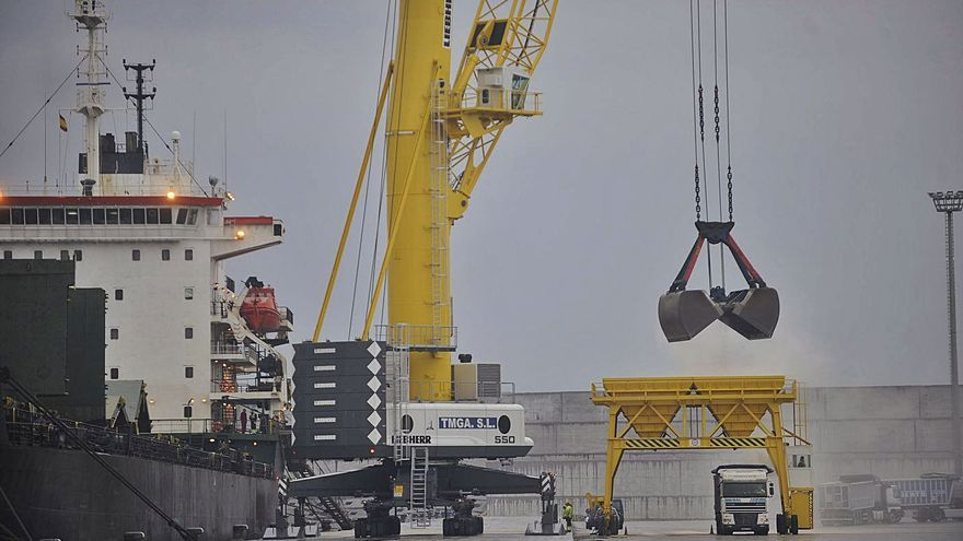La Xunta demanda un análisis de riesgos de la nave de residuos proyectada en Langosteira