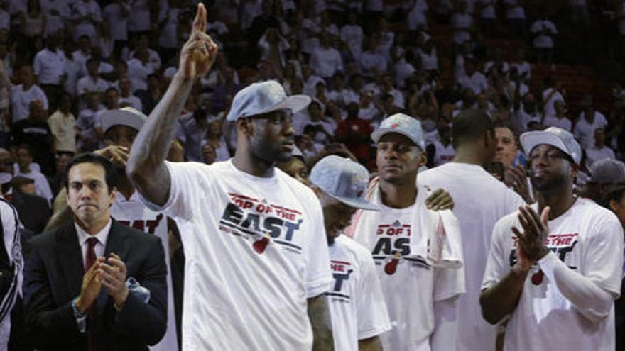 Miami arrolla a los Pacers y jugará la final contra los Spurs