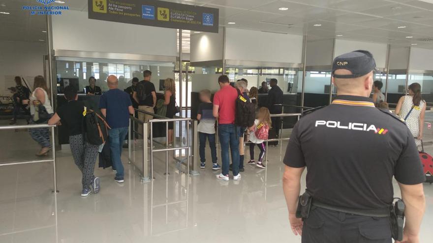 Bewährungsstrafe für am Airport randalierenden Mallorca-Urlauber