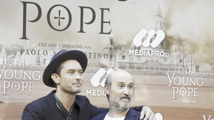 """Jude Law, un """"Papa"""" impredecible visita Madrid"""