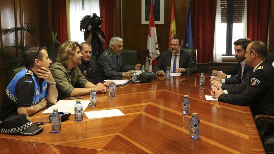 Reunión del dispositivo electoral en la Subdelegación del Gobierno.