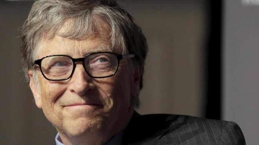 Bill Gates pone a Adolfo Suárez como ejemplo de líder