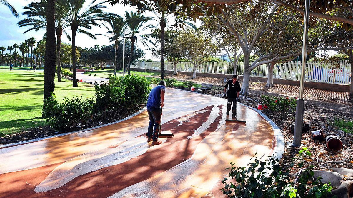 Trabajos de remodelación en el Parque Sur de Maspalomas, en el municipio de San Bartolomé de Tirajana.