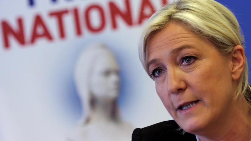 Le Pen, por primera vez diputada en la Asamblea