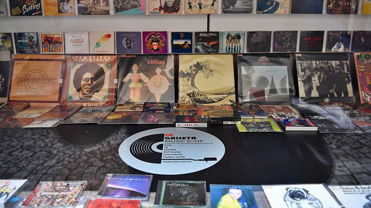 Escaparate de La Gallega Music Shop.   | // CARLOS PARDELLAS