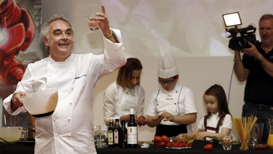 Ferran Adrià enseña a gestionar con éxito un restaurante en Benidorm