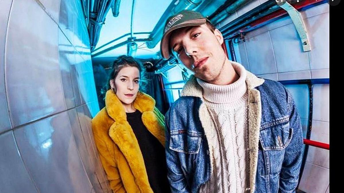 Imagen promocional del dúo navarro Iseo & Dodosound.   J.M.