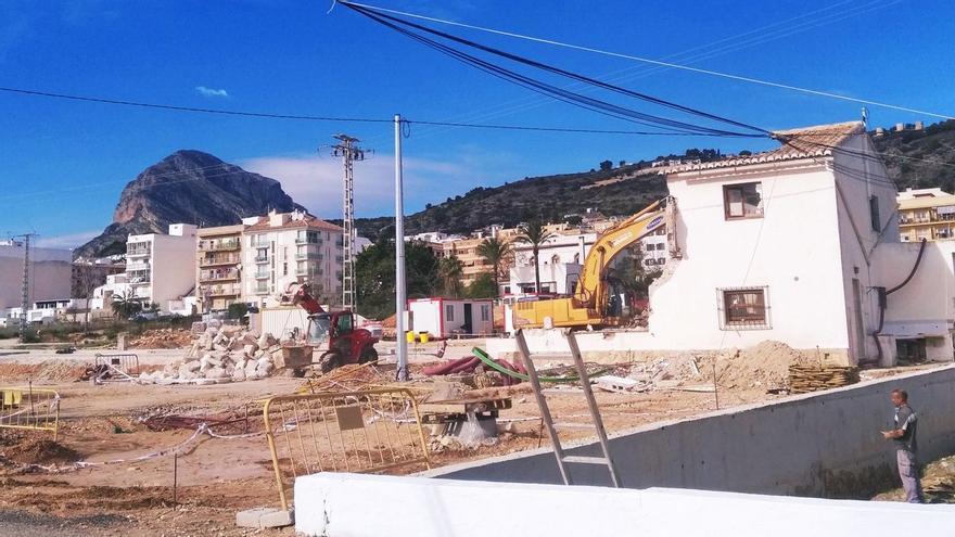 Urbanismo demoledor en Xàbia: tiran una casa para levantar 58 viviendas