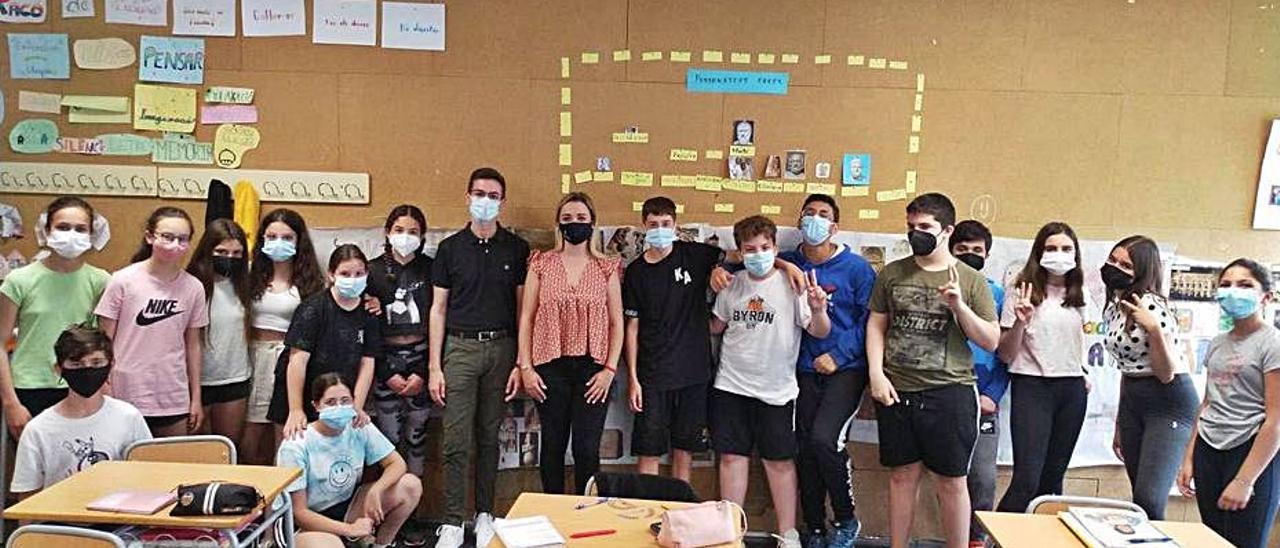 Grupo de alumnos del programa «Mereixem un carrer». | LEVANTE-EMV