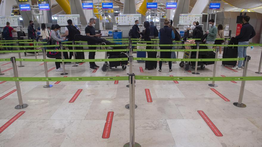 España impone una cuarentena obligatoria a los viajeros procedentes de India