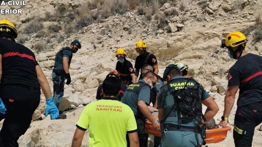 Rescatan de un acantilado de la Vila a un hombre que desapareció ayer lunes
