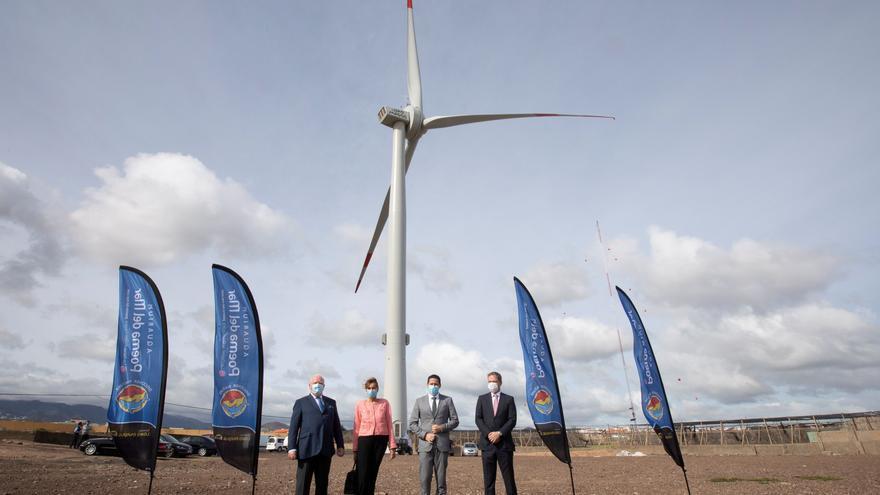 Un aerogenerador permite a Grupo Loro Parque generar la misma energía que consume