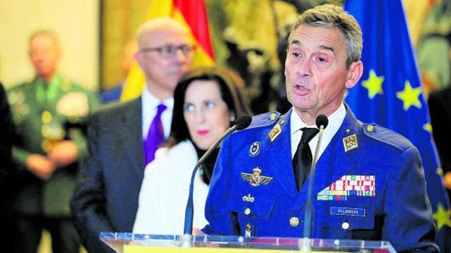 El Jefe de Estado Mayor de la Defensa dimite tras vacunarse antes de tiempo del COVID
