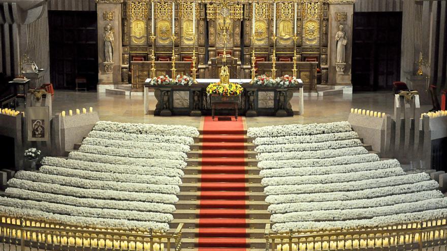Torreciudad ofrece a la Virgen 15.000 flores en el Día de las Familias