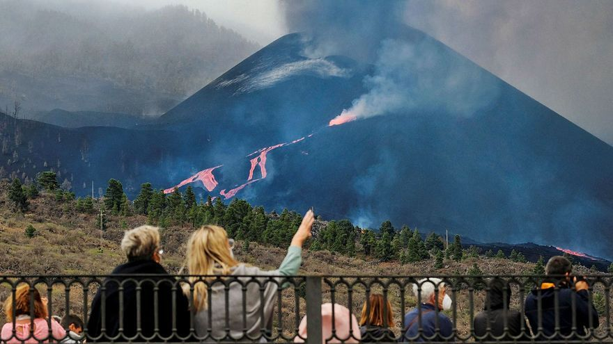 Dos derrumbes en el nuevo cono del volcán y un sismo de 4,9 bajo la Villa de Mazo