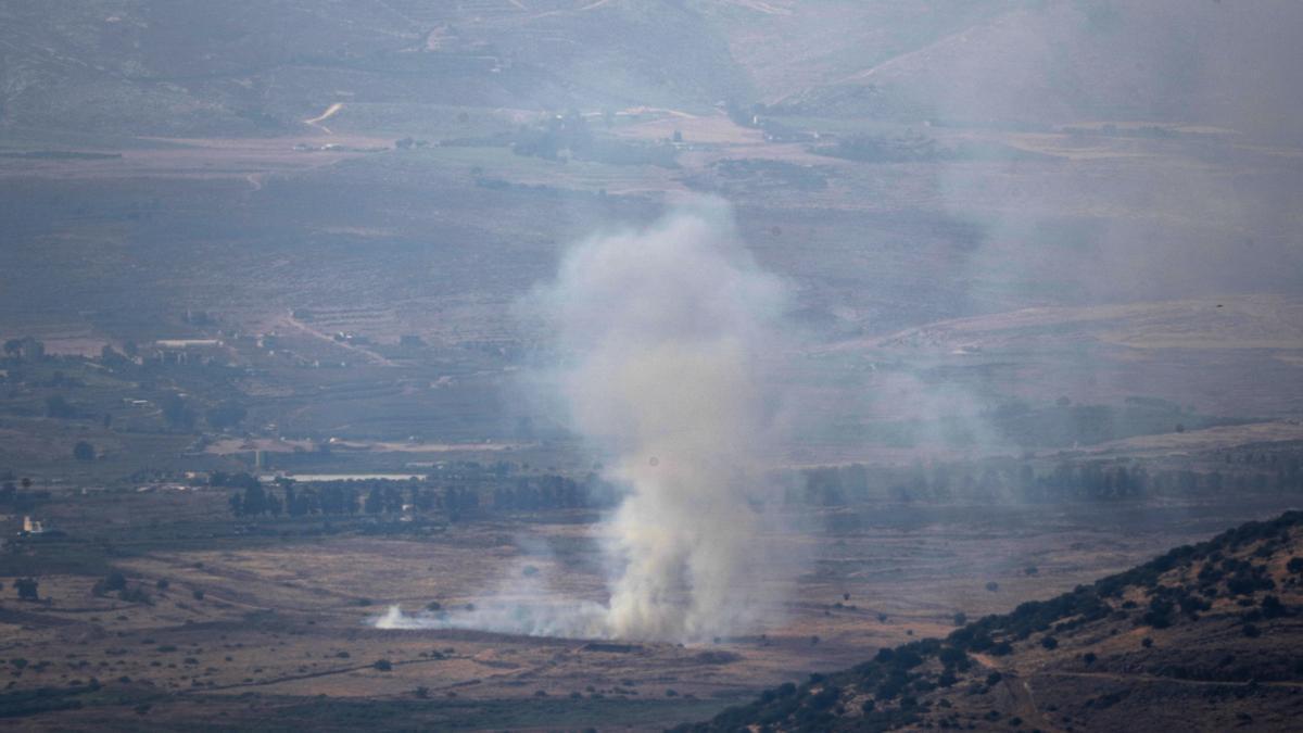 Israel ha atacado Líbano con artillería.