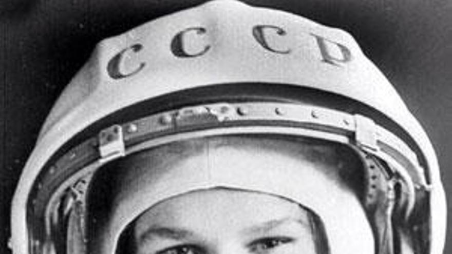 La primera mujer en volar al espacio cumple 80 años