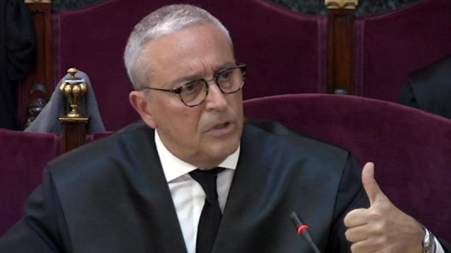 Melero accepta «amb gust» que Forn  va «desobeir» el Tribunal Constitucional