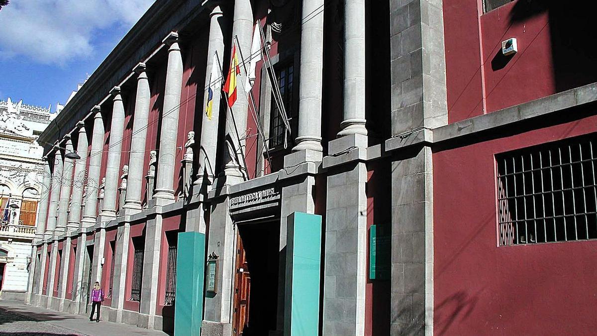 La fachada del Museo Municipal de Bellas Artes | | EL DÍA