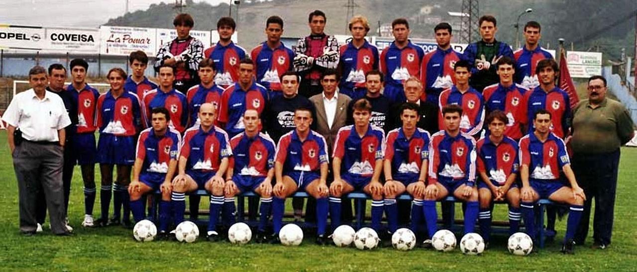 La plantilla del Unión Popular de Langreo de la temporada 1996-1997. | UPL