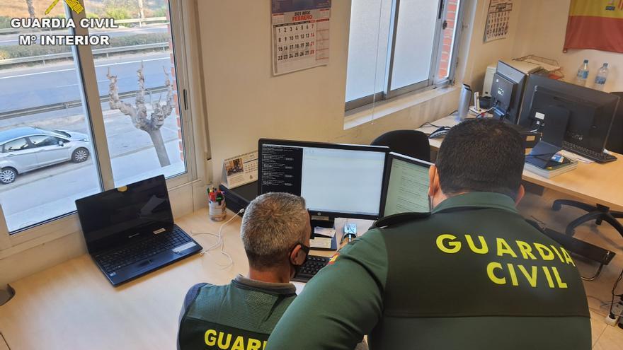 Tres investigados en Alicante por estafar 72.000 euros en webs de citas y redes sociales