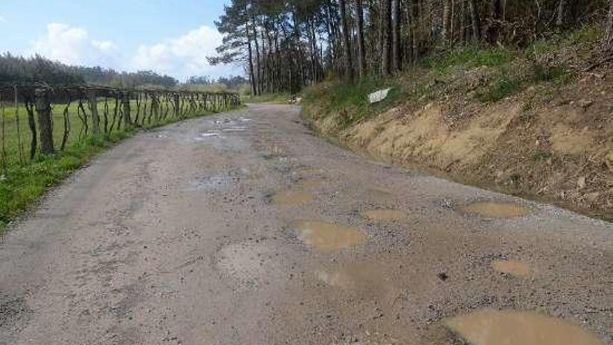 Quejas en Baión por el pésimo estado del Camiño Francés a Pontearnelas