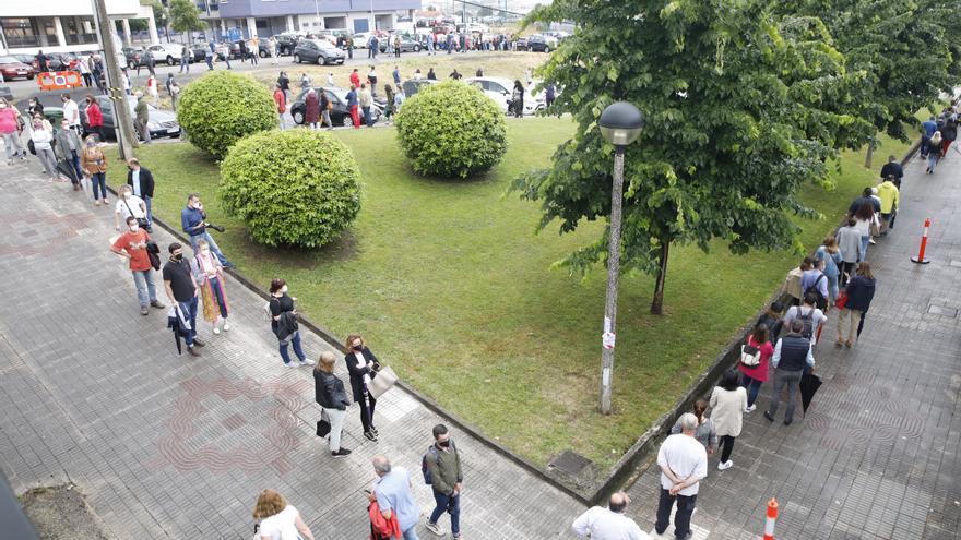 La lluvia obliga a suspender la vacunación en El Molinón y derivar a Perchera a todos los citados