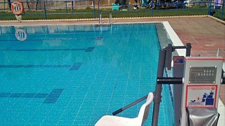 Un fallecido y siete heridos, cinco de ellos niños, por una explosión por fuga de cloro en una piscina de Zaragoza