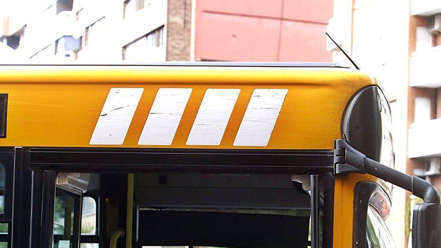 Entidades instan al Consell a licitar los buses metropolitanos tras dos años
