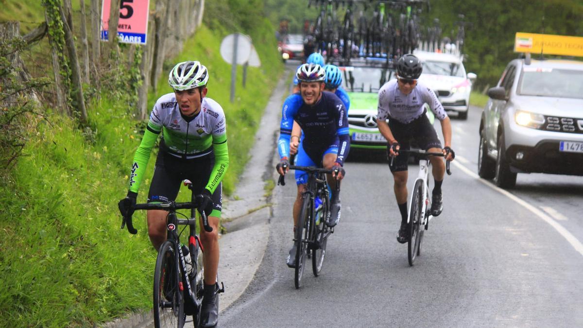 David Delgado, del Bicicletas Rodríguez, en cabeza en una prueba.