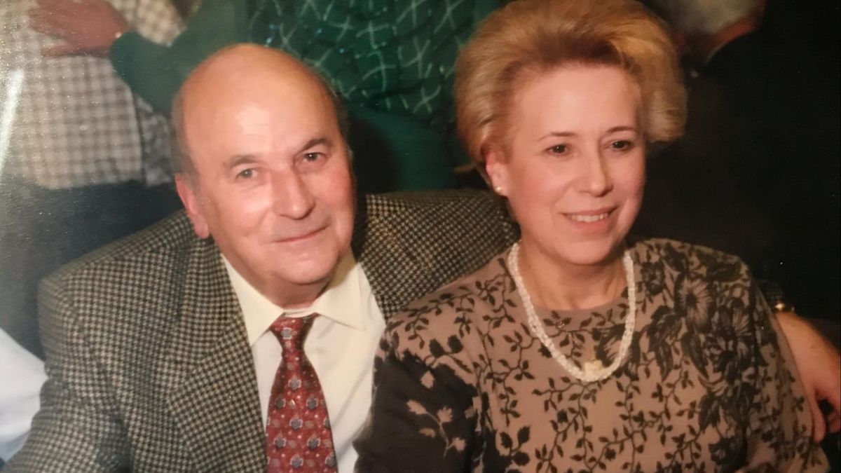 Gerardo Menéndez junto a su mujer, María del Carmen García.