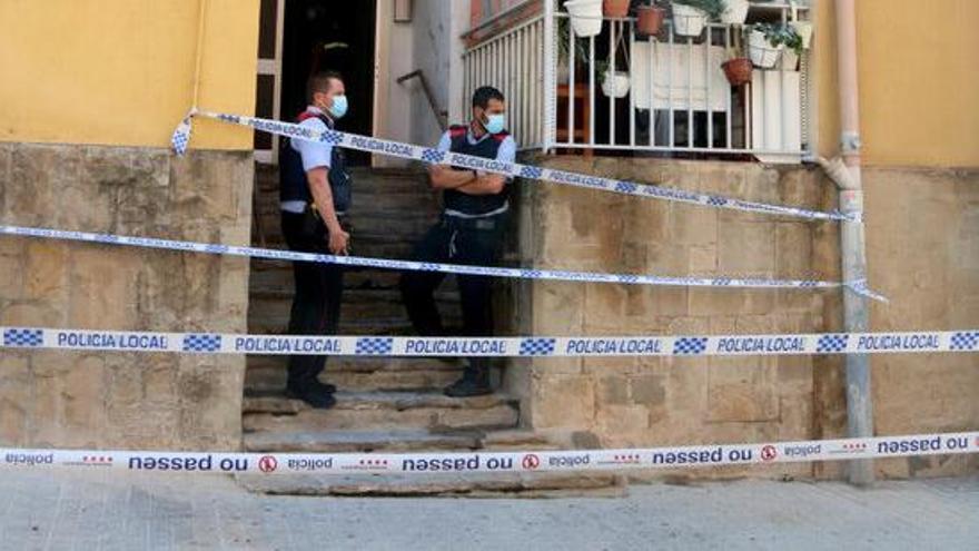 Mossos obre una investigació per esclarir les causes de l'incendi d'Olesa de Montserrat on ha mort una dona