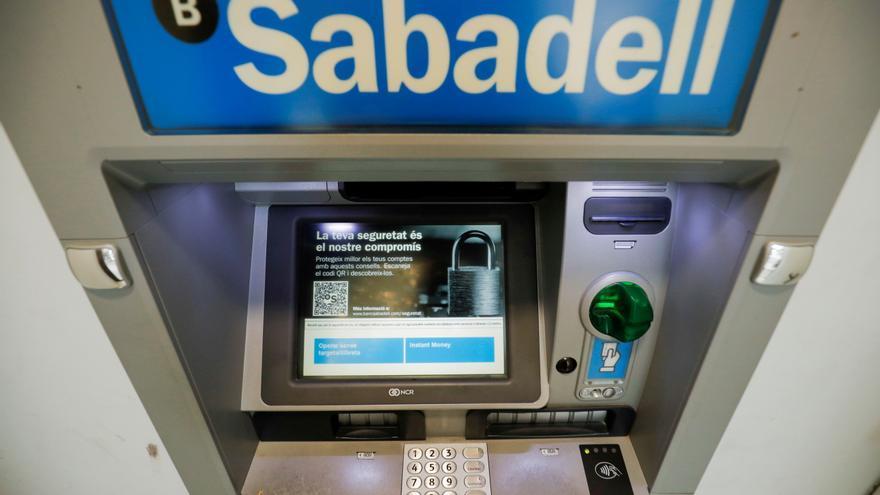 El Sabadell gana un 82,4% más por las menores provisiones y la filial británica
