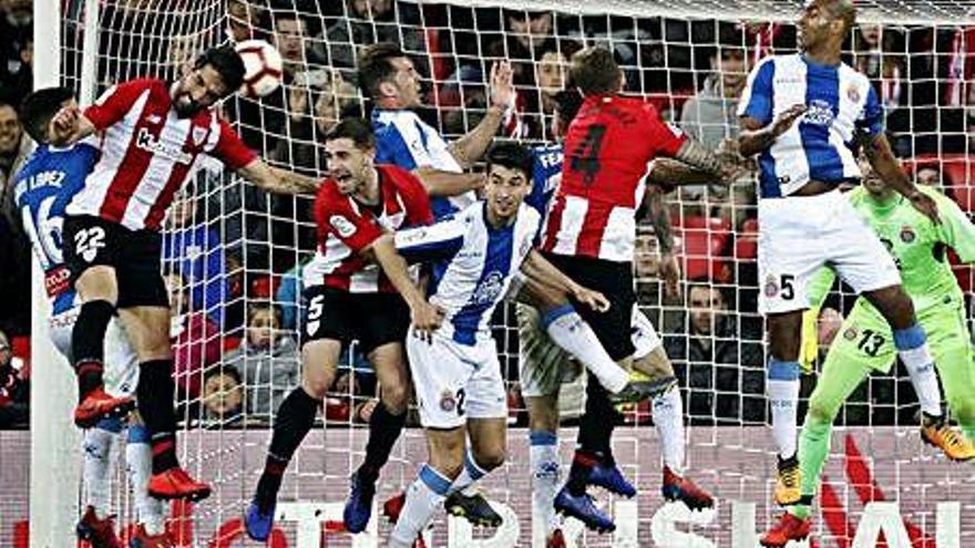 L'Espanyol pot esgarrapar un punt de San Mamés patint fins al final