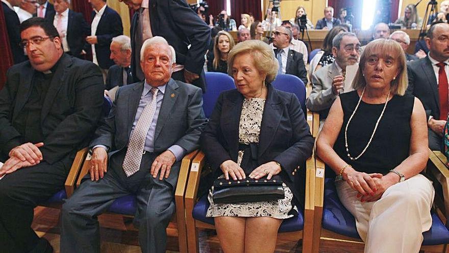 El expresidente del PP, José Luis Baltar, ingresado por coronavirus junto a su mujer