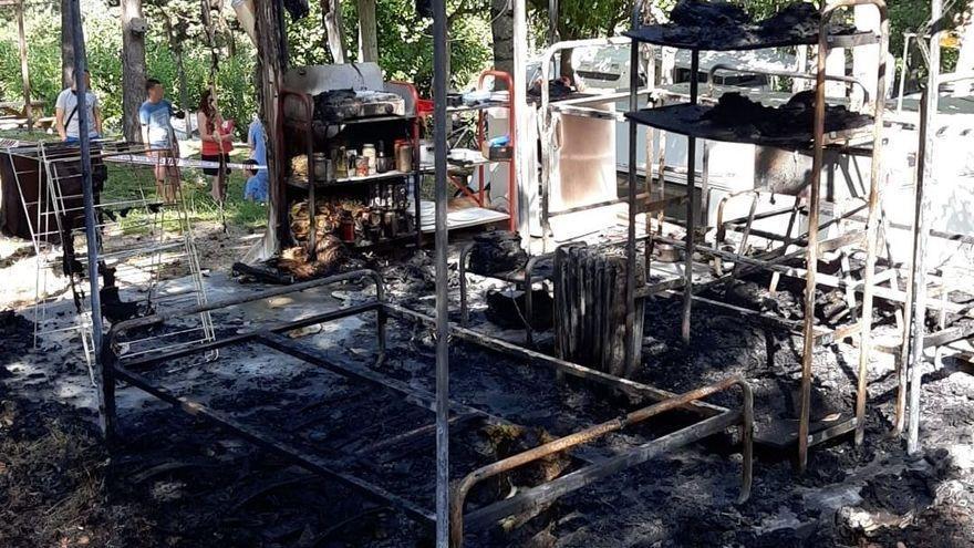 Detenen dos joves per intentar matar el treballador d'un càmping cremant la tenda on dormia