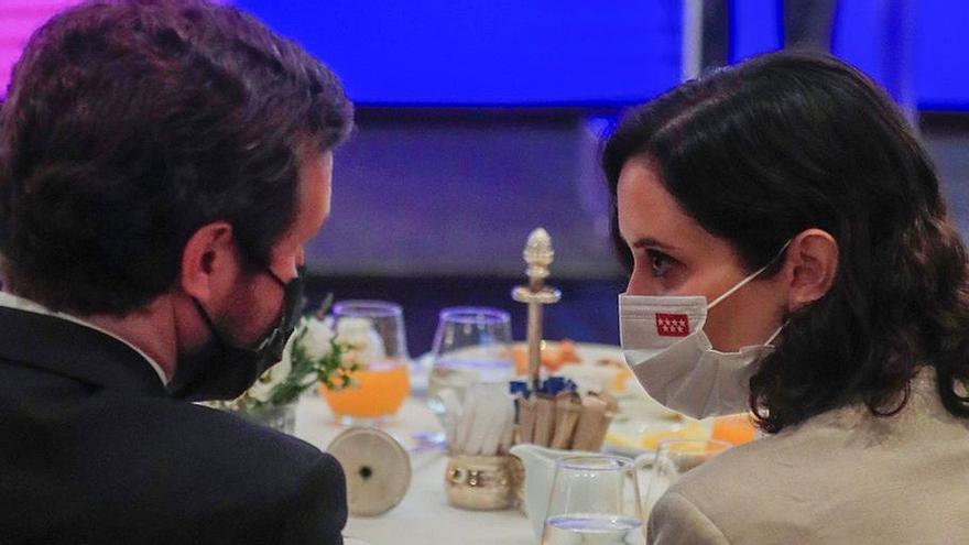 Guerra abierta entre Ayuso y Casado por el PP de Madrid